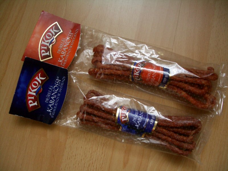 maisto produkai su Pikok prekiniu ženklu. Beje kabanosai tikrai skanūs, bet tai tik iliuzija